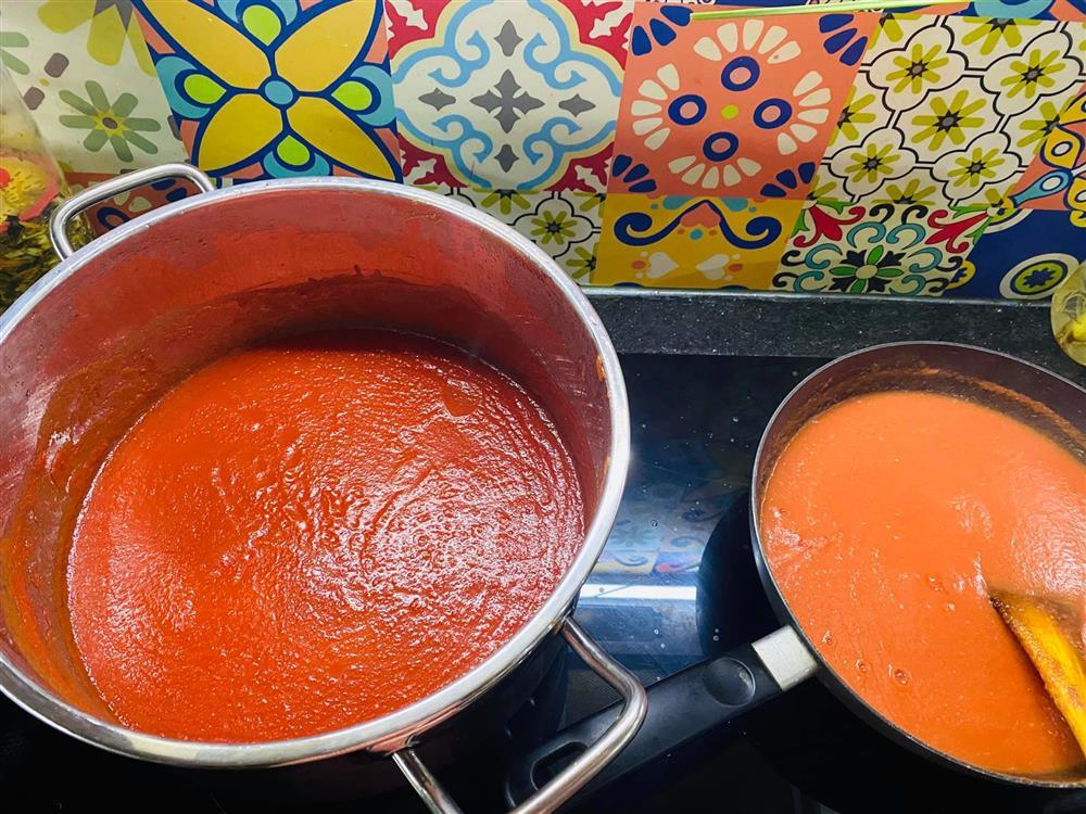 Mẹ Hà Nội mách cách làm tương cà siêu sạch từ cà chua giải cứu nông sản-5