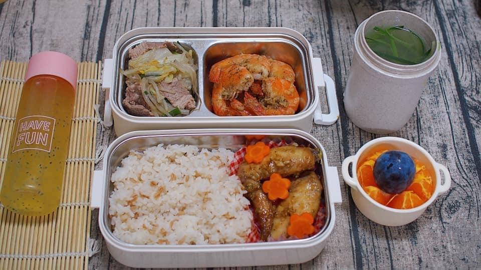 Vợ 8X ở Nhật dậy từ 6h nấu cơm hộp cho chồng, bữa nào cũng ngon mà chẳng hề lặp món-8