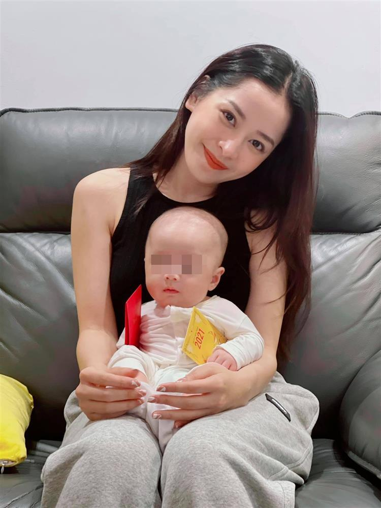 Cả mùa Tết chỉ để đi bế em bé của Chi Pu-3