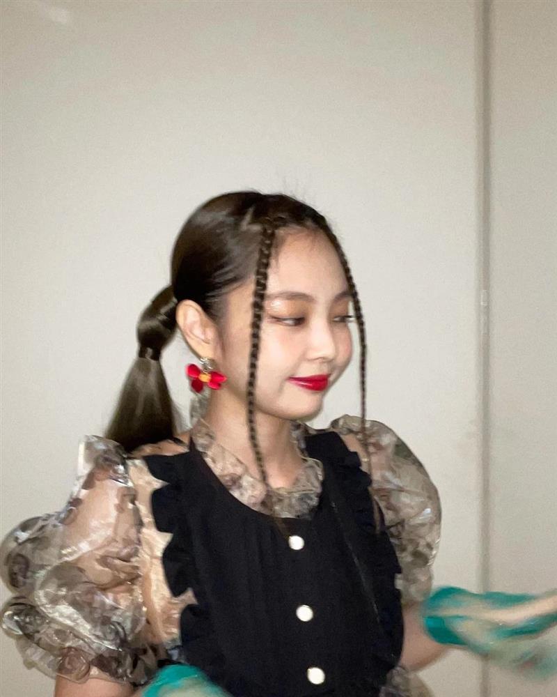 G-Dragon và Jennie là ông hoàng bà chúa của những kiểu tóc dị thường-9