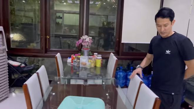 Huy Khánh quay cận cảnh biệt thự 50 tỷ của Mạc Văn Khoa-3