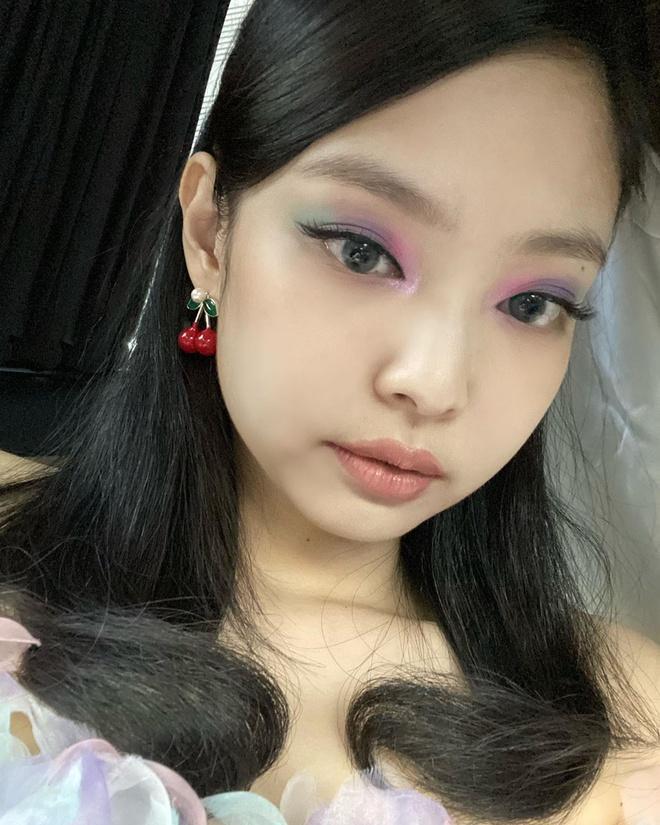Loạt make-up look chất lừ của Jennie khiến G-Dragon mê mệt-10