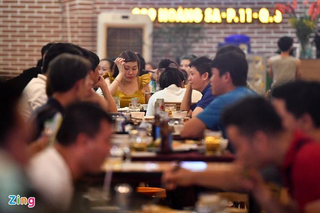 TP.HCM cho mở lại nhà hàng, tiếp tục đóng cửa quán bar-1
