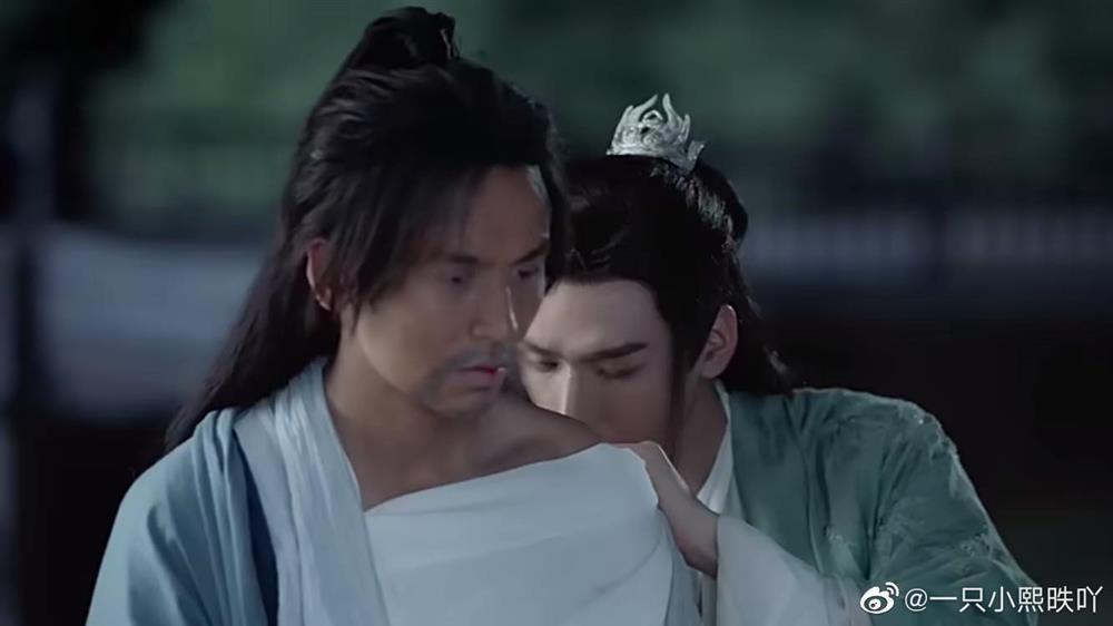Hút máu độc trong phim Hoa ngữ: cảnh như phim đam mỹ, cảnh bị nhà đài cắt thẳng tay-1