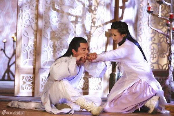 Hút máu độc trong phim Hoa ngữ: cảnh như phim đam mỹ, cảnh bị nhà đài cắt thẳng tay-5
