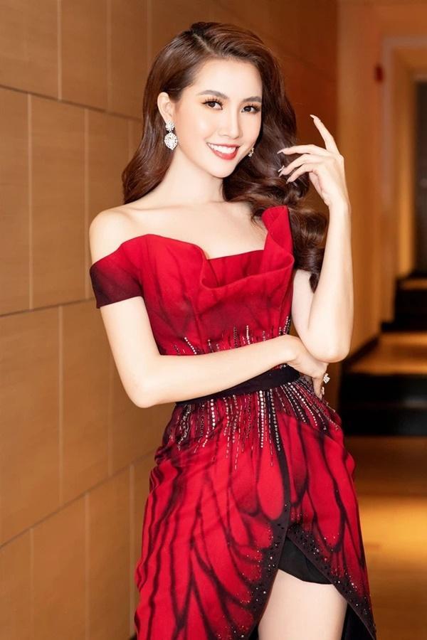 Bị chê quay cảnh tắm tiên lộ nửa ngực nhạy cảm, Hoa hậu Phan Thị Mơ đáp trả-4