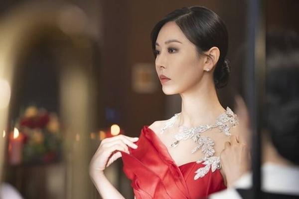 Ác nữ Kim So Yeon đuối sức, diễn lố ở Penthouse 2-1