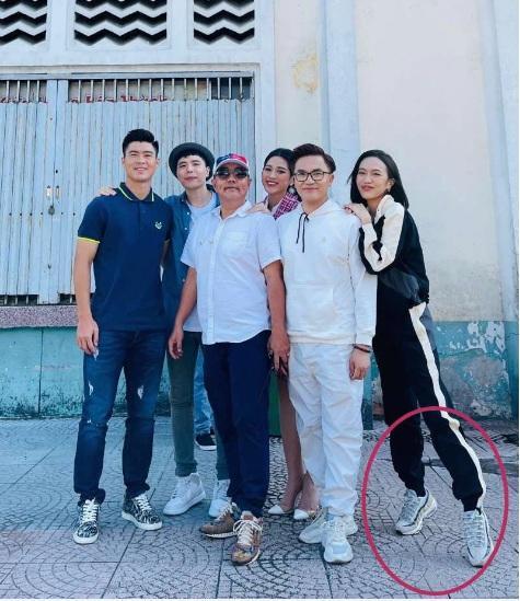 Nhã Phương, Đỗ Mỹ Linh, Hòa Minzy kiễng chân hack chiều cao-5