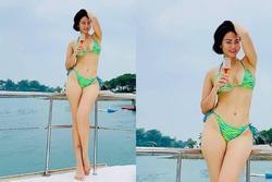 Thu Minh khoe body 'đẹp nức nở' ở tuổi 44