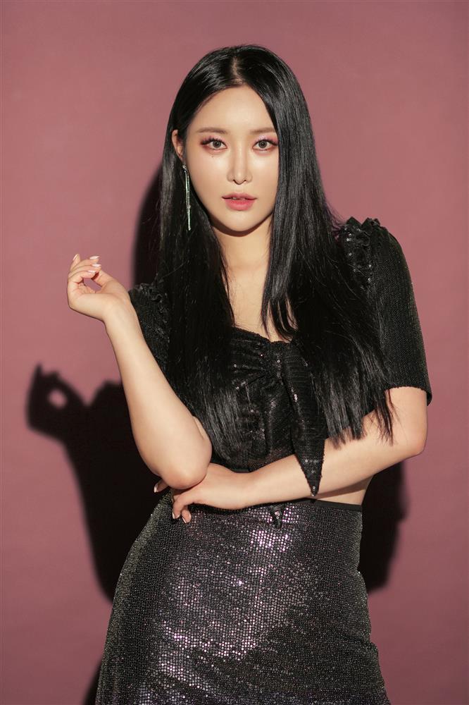 Netizens bỗng phát cuồng ca khúc từ nhóm Idol kém nổi phát hành 4 năm trước-4