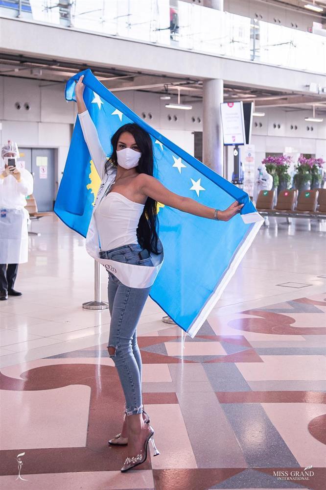 Thí sinh Miss Grand 2020 lên đường: Ngọc Thảo ghi điểm, Venezuela phản cảm-3