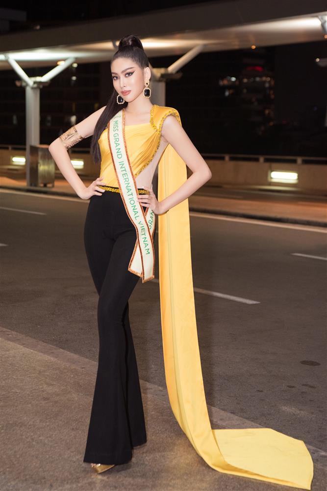 Trang phục xuất trận Miss Grand của Ngọc Thảo bị soi giống Catriona Gray-3
