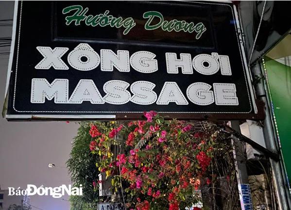 Bất chấp lệnh cấm trong dịch Covid-19, 5 nữ nhân viên massage vẫn bị bắt quả tang khỏa thân, kích dục cho khách-1