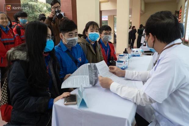 Bộ trưởng Bộ Y tế: Hiệu lực bảo vệ vaccine phòng Covid-19 made in Vietnam rất tốt-2