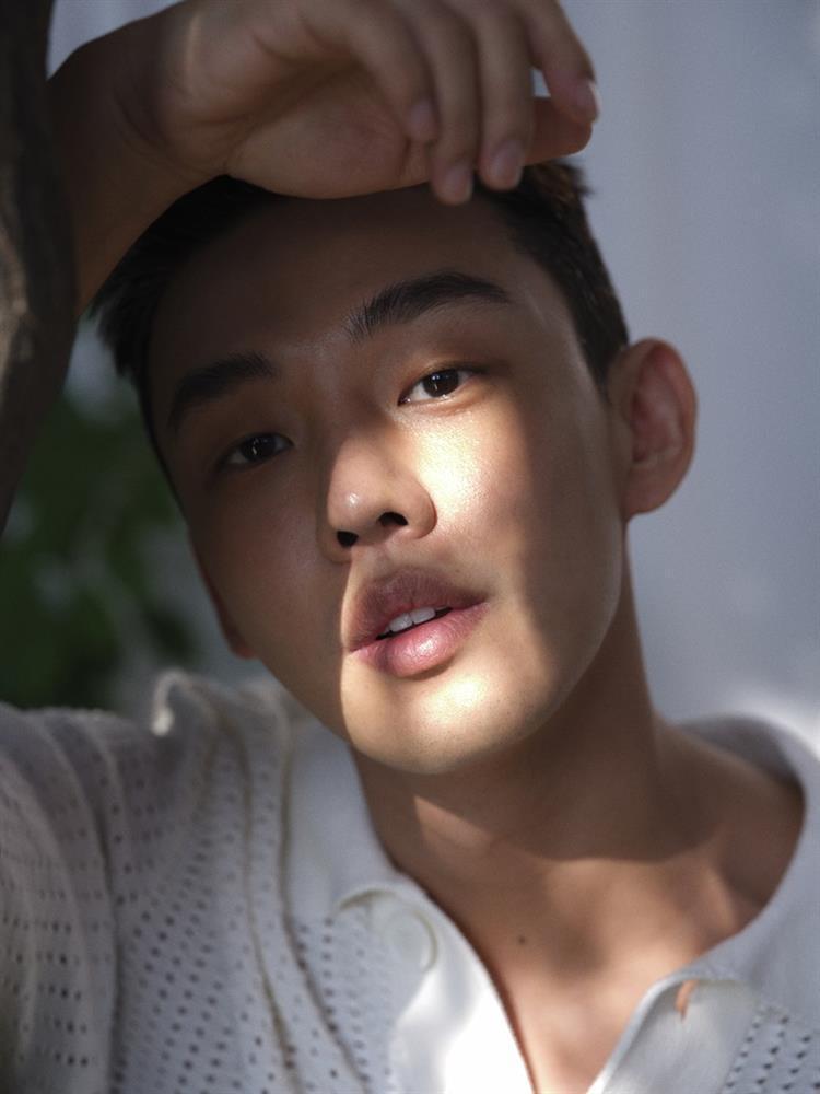 Nam thần mới nổi Ong Seong Wu sánh vai ảnh đế Yoo Ah In trên màn ảnh rộng-2