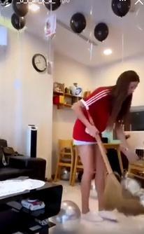 Bạn gái mẫu Tây lột xác trong ngày sinh nhật Bùi Tiến Dũng-1