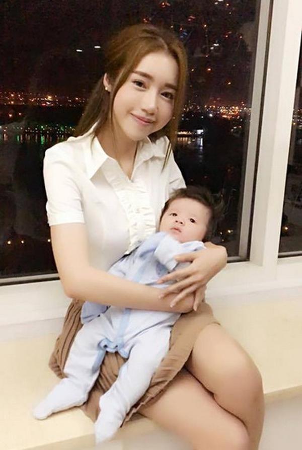 Trâm Anh, Hà Hồ, MC Hoàng Oanh mặt mộc sau sinh đẹp không tì vết-12