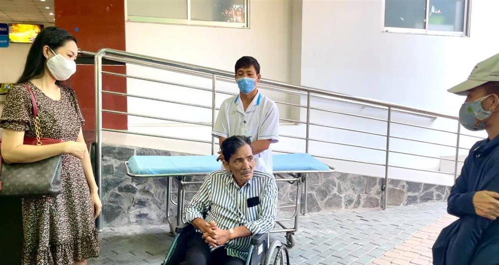 Nghệ sĩ Thương Tín sau 3 ngày đột quỵ-2