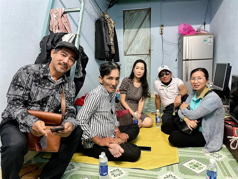 Nghệ sĩ Thương Tín sau 3 ngày đột quỵ-5