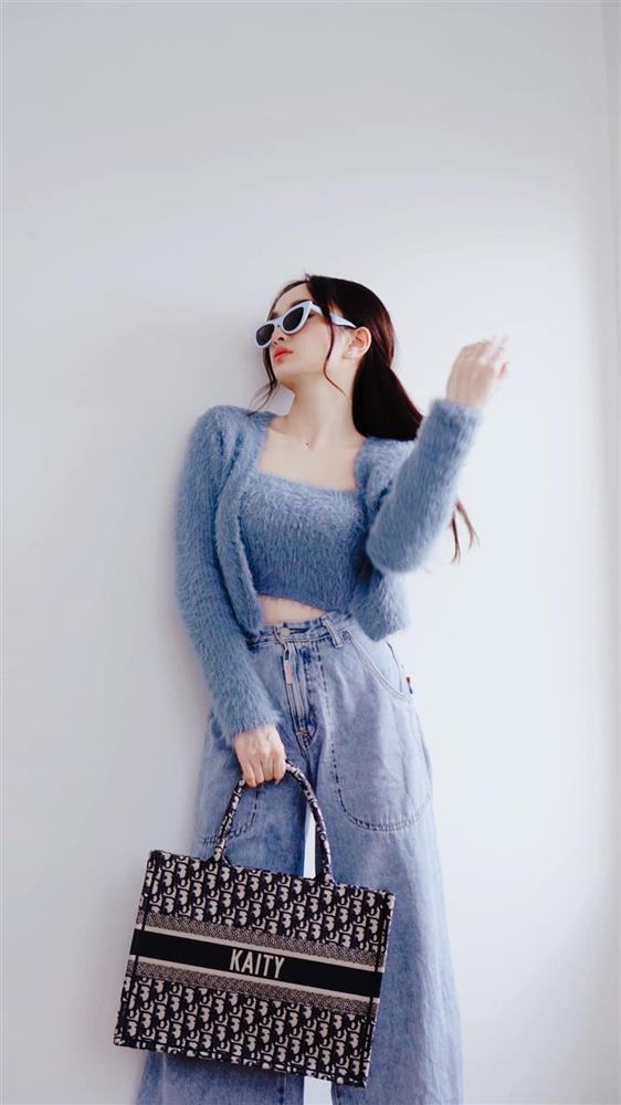 Đụng hàng set áo lông: Ngọc Trinh - Chi Pu khoe eo thon, Kaity hack dáng hiệu quả-8