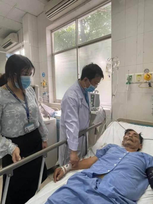 Nghệ sĩ Thương Tín sau 3 ngày đột quỵ-7