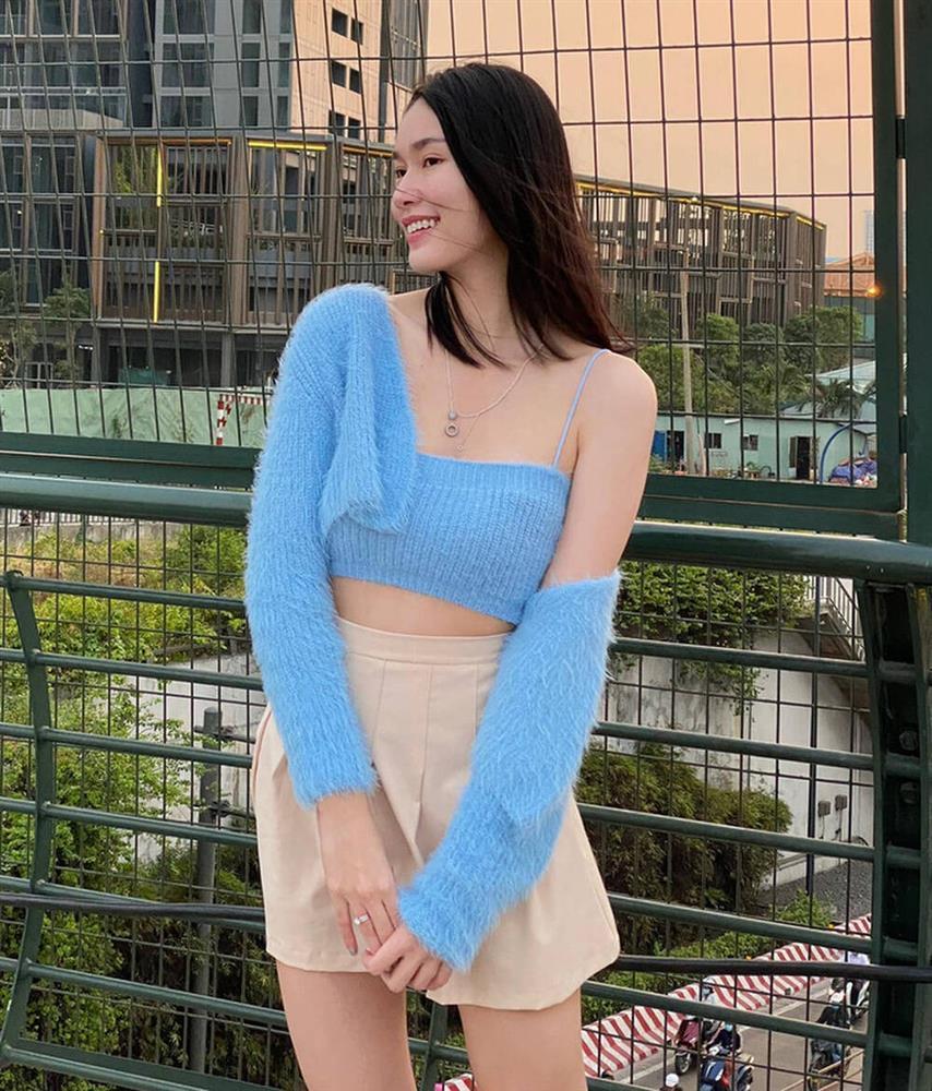 Đụng hàng set áo lông: Ngọc Trinh - Chi Pu khoe eo thon, Kaity hack dáng hiệu quả-11