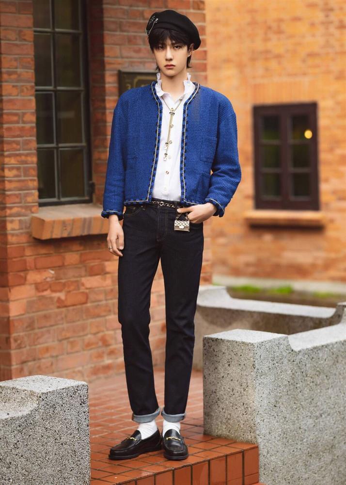 Vương Nhất Bác mặc style nữ tính, điệu chảy nước nhưng fan vẫn mê mệt-2