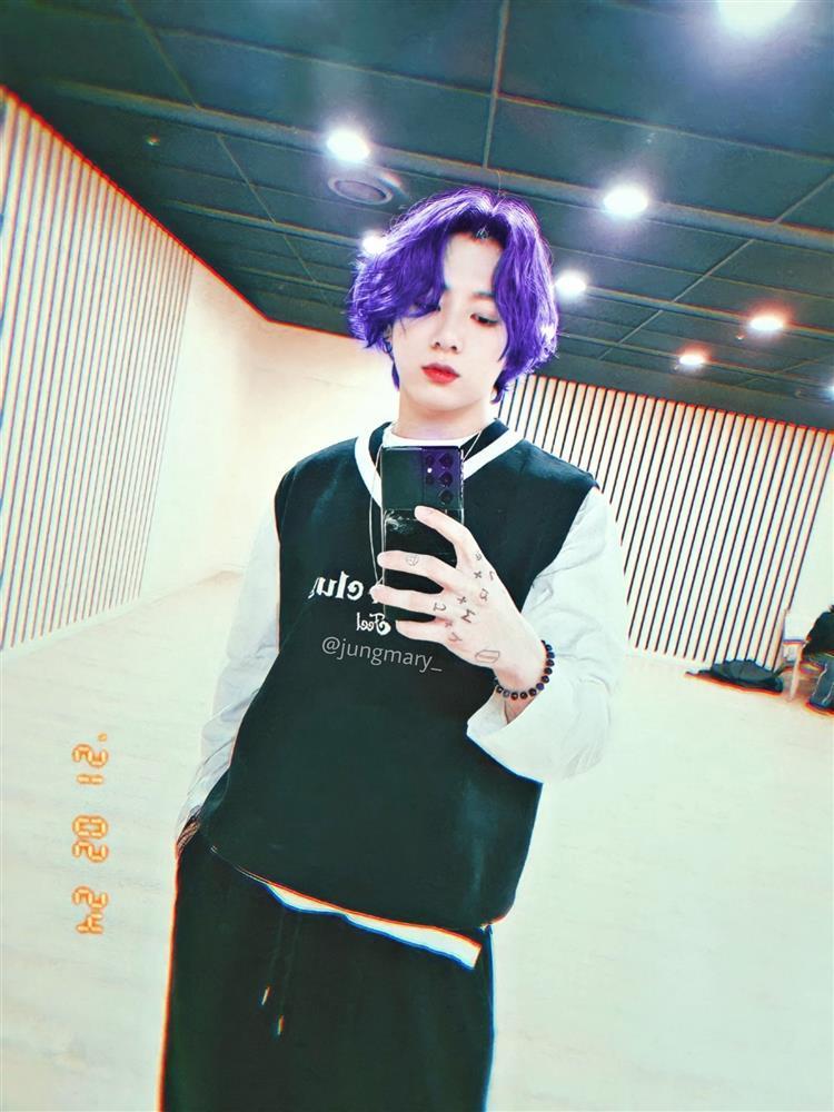 Fan BTS biến mình thành chúa hề chỉ vì màu tóc tự nhuộm của Jungkook-2