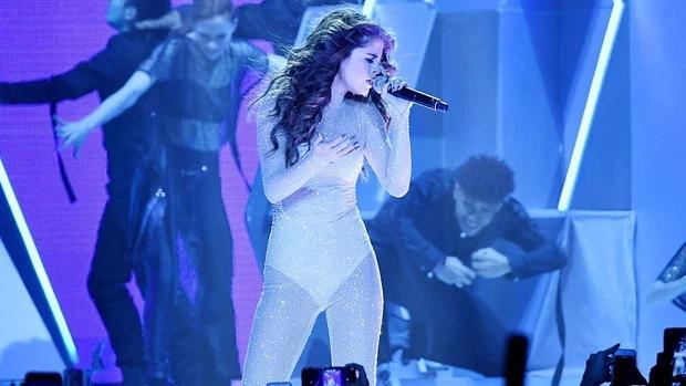 Cam thường body đẹp nức nở của Selena Gomez khiến dân tình phát cuồng-4