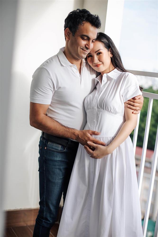 Võ Hạ Trâm mang thai sau 2 năm lấy chồng Ấn Độ-1