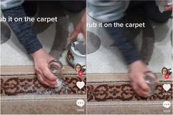 Vô tình làm đổ đường ra thảm, người phụ nữ nhanh trí dọn sạch bóng chỉ nhờ 1 chiếc cốc