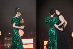 Sự cố hài hước của 2 nữ thần tượng Trung Quốc