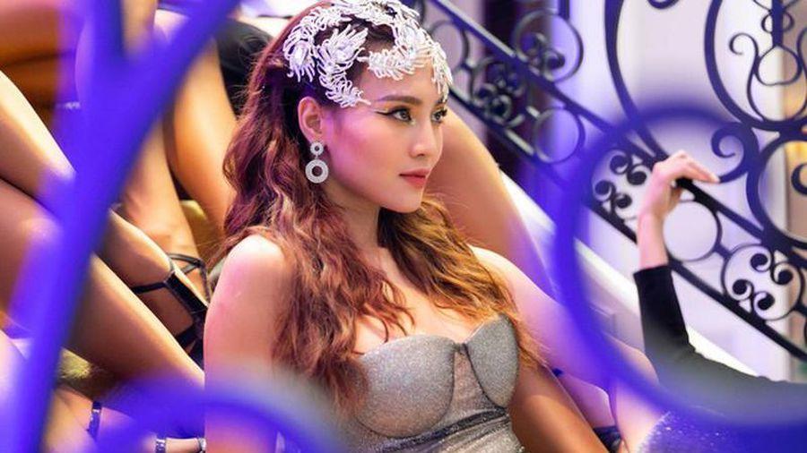 Ninh Dương Lan Ngọc diện bodysuit sexy nghẹt thở-5