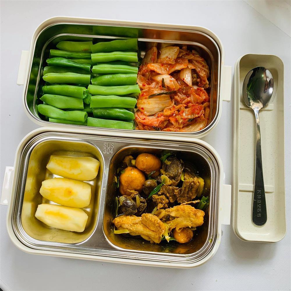 Ngày nào cũng dậy sớm nấu ăn mang đi làm, hộp cơm trưa của 9x được khen nức nở-3