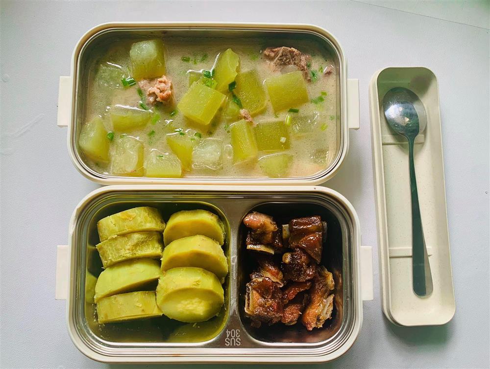 Ngày nào cũng dậy sớm nấu ăn mang đi làm, hộp cơm trưa của 9x được khen nức nở-4