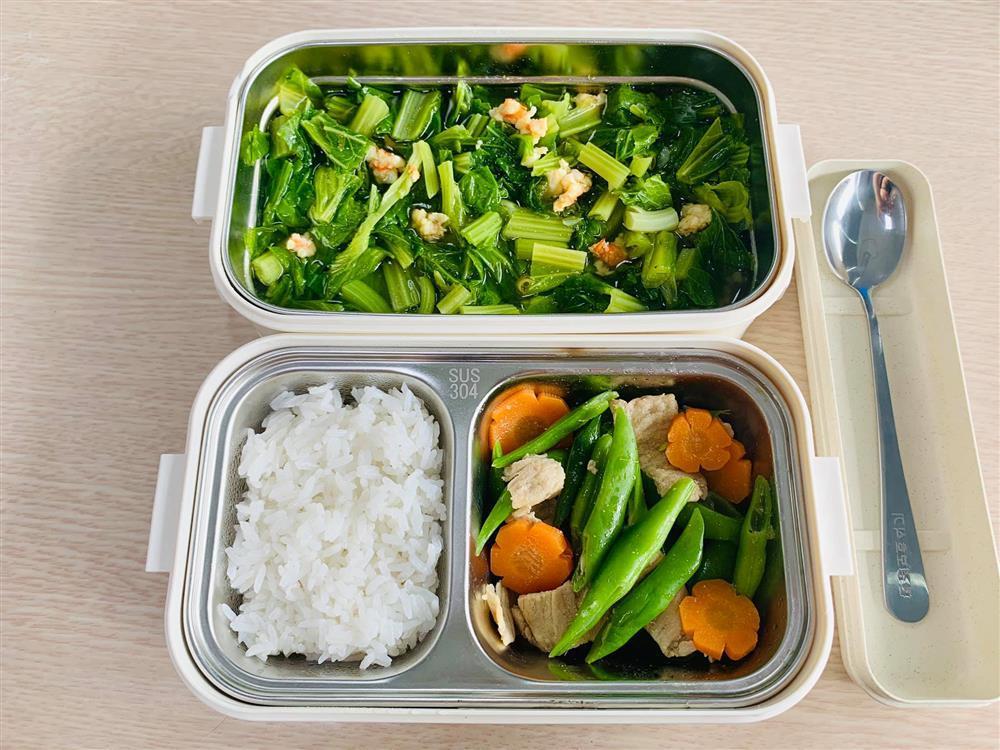 Ngày nào cũng dậy sớm nấu ăn mang đi làm, hộp cơm trưa của 9x được khen nức nở-10