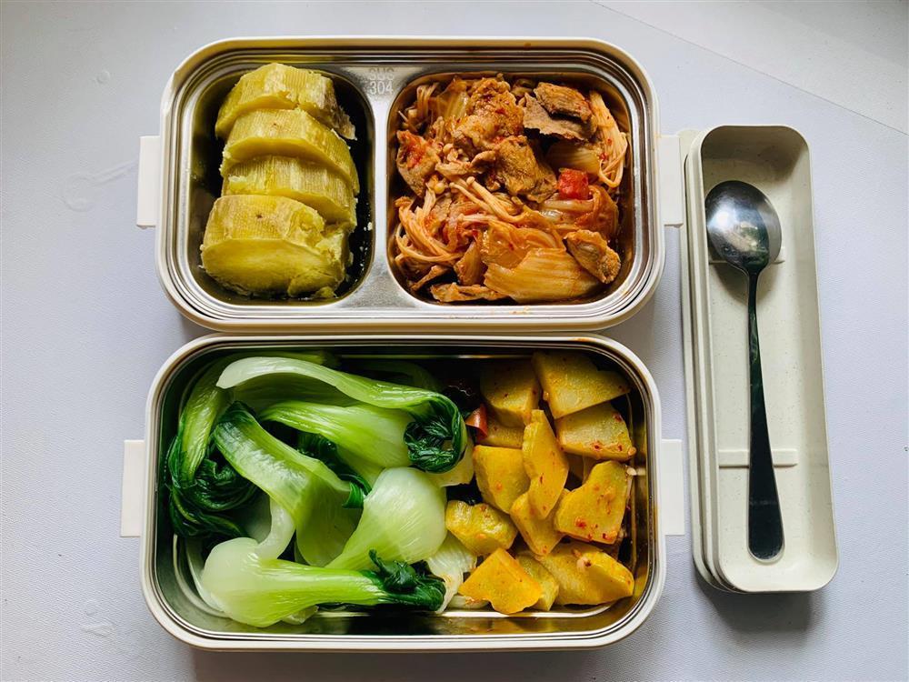 Ngày nào cũng dậy sớm nấu ăn mang đi làm, hộp cơm trưa của 9x được khen nức nở-14