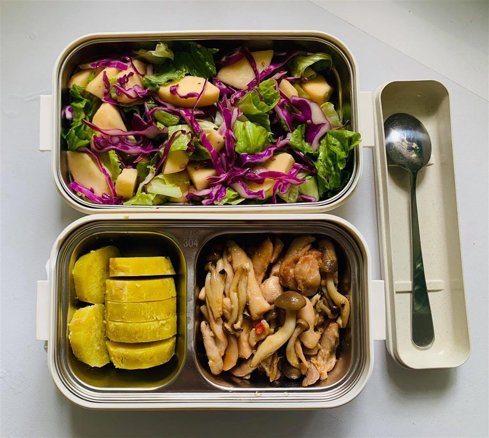 Ngày nào cũng dậy sớm nấu ăn mang đi làm, hộp cơm trưa của 9x được khen nức nở-13