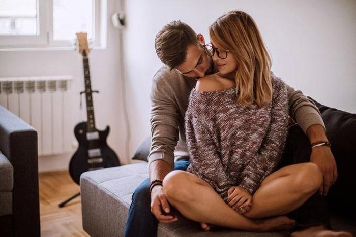 Dấu hiệu nhận biết đàn ông sở khanh, yêu một người lại hứa hôn với một người khác-1