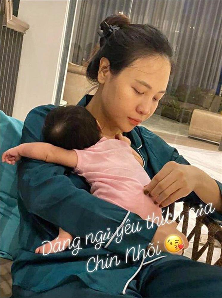 Đàm Thu Trang làm dép Hermès cho con bằng vỏ bưởi-2