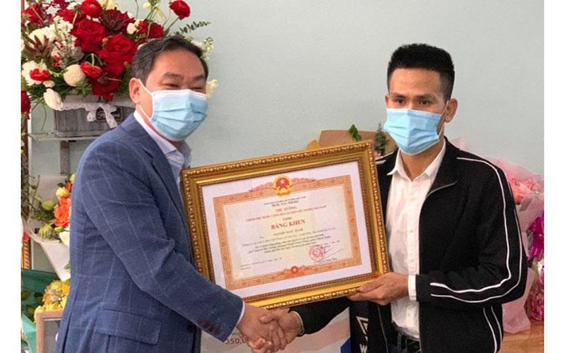 Anh Nguyễn Ngọc Mạnh từ chối học bổng 350 triệu dành cho con gái-3