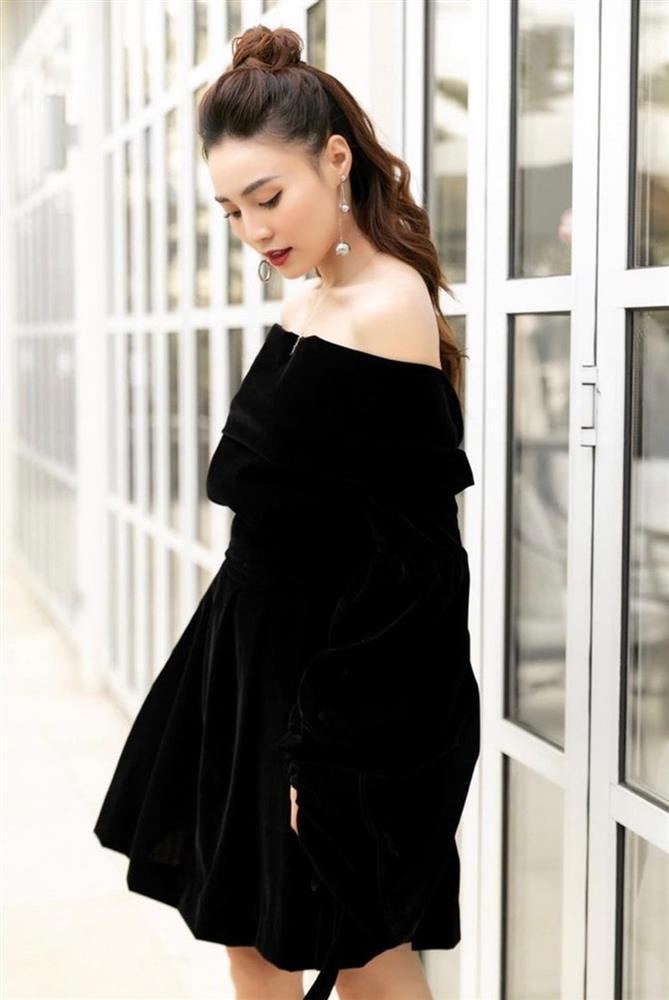 Lý do Ninh Dương Lan Ngọc suốt ngày diện váy áo trễ vai: Là bởi đặc điểm vóc dáng này?-5