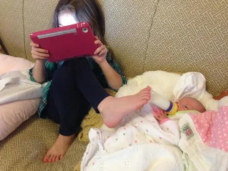 Các kiểu lách luật thần sầu của lũ trẻ khiến bố mẹ từ bỏ ý nghĩ trẻ con có biết gì đâu-1