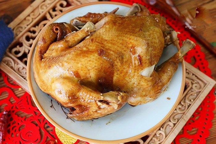 Cho con gà vào nồi cơm điện, 1 tiếng sau được món ngon-8