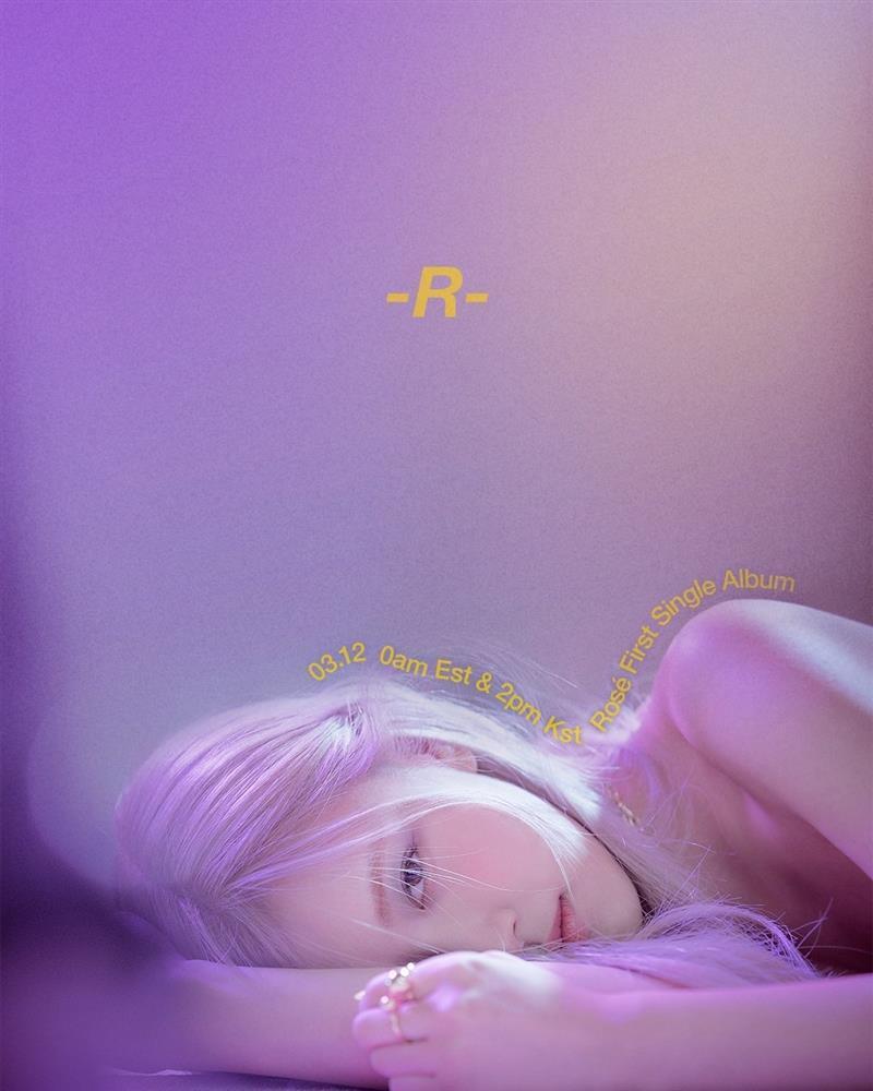 Rosé BLACKPINK hé lộ tên single album chỉ nhõn một chữ, tướng nằm bị soi giống Jennie-1