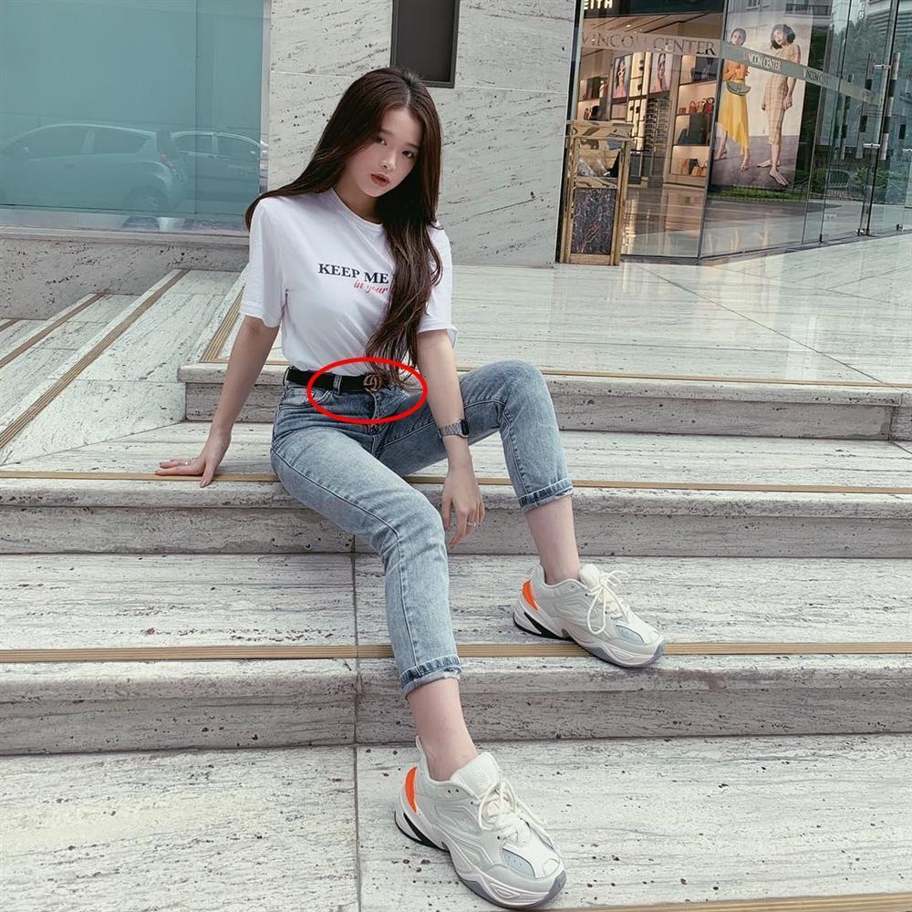 Lệ Quyên, Hiền Hồ, Linh Ka đeo thắt lưng ngược cực phèn-6
