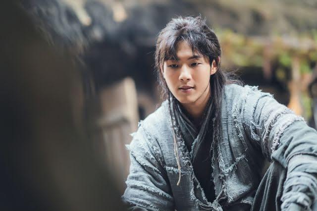 Phim có mặt đầu bò đầu bướu Kim Ji Soo bị hủy phát sóng-2