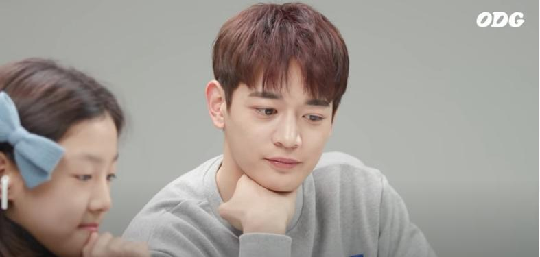 Fan rớt lệ khi Minho SHINee trả lời về cái chết của Jonghyun-9
