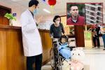 Nguyễn Ngọc Mạnh cứu bé gái rơi từ tầng 13 bị rạn xương ngón tay, chưa thể lái xe-5