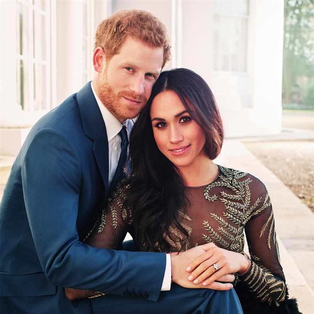 Bóc giá đồ hiệu người hoàng gia Anh mặc, đắt nhất là chiếc váy cưới 332.000 USD-12